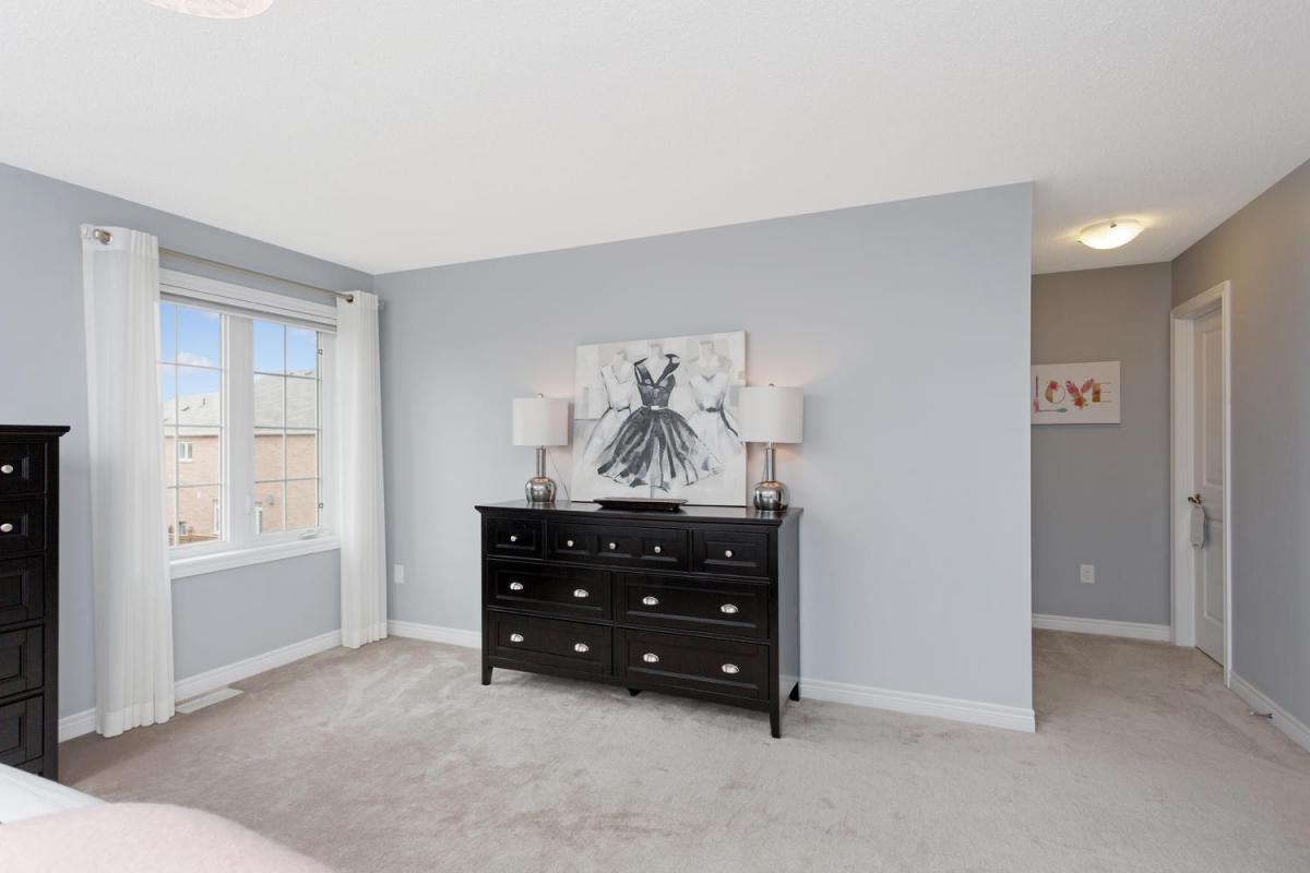 445 Barber Drive Georgetown ON-large-024-7-Master Bedroom-1500x1000-72dpi