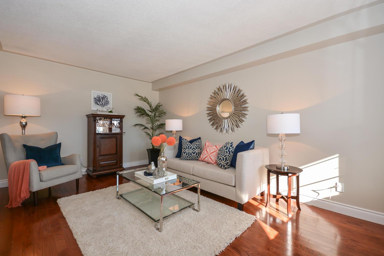 14223 Argyll Rd Halton Hills-large-012-2-Living Room-1500x1000-72dpi