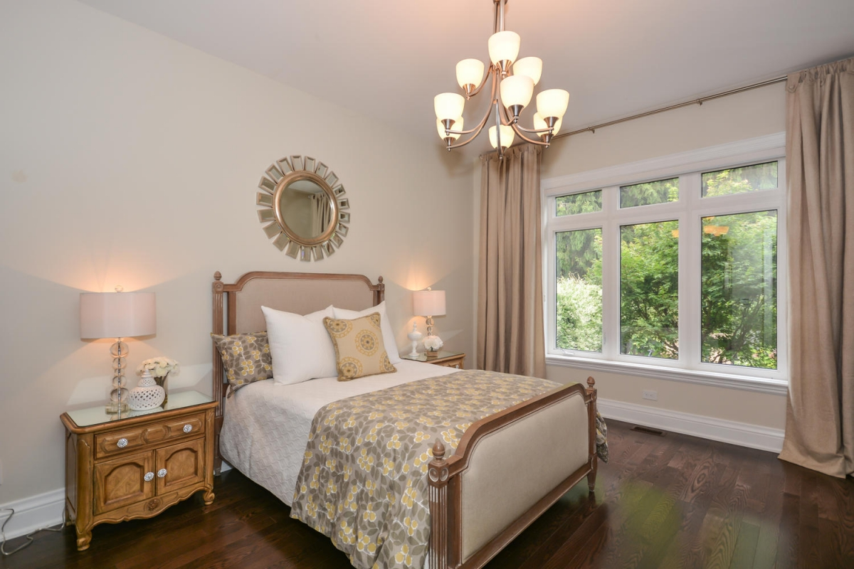 113 Paliser Ct Oakville ON L6K-large-021-16-Master Bedroom-1500x1000-72dpi