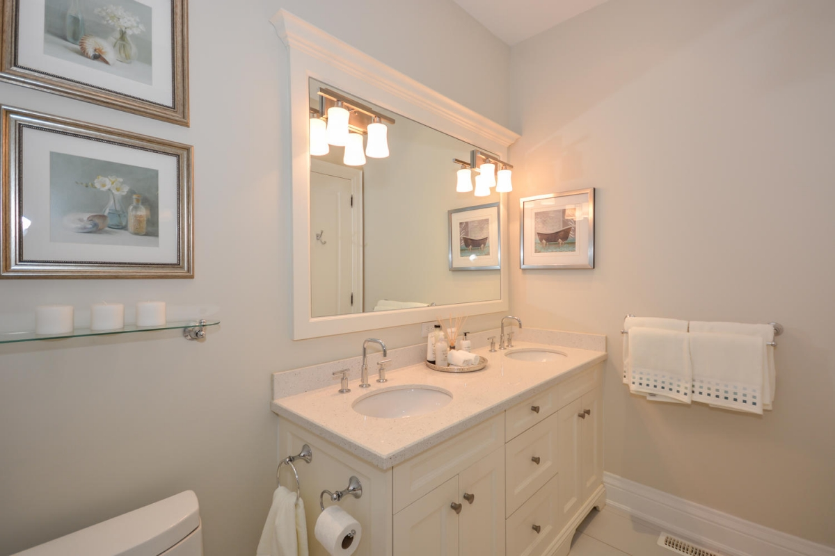 113 Paliser Ct Oakville ON L6K-large-026-55-Master Bedroom Ensuite-1500x1000-72dpi