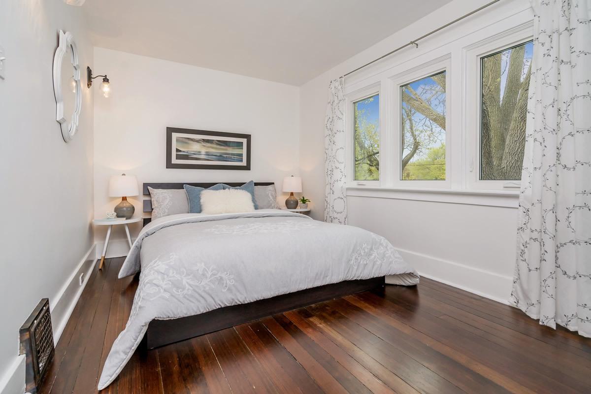 staging_28-Confederation-Street-Glen-print-024-24-Master-Bedroom-4200x2800-300dpi